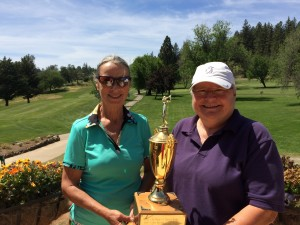 Memorial Champions for the 18-hole group - Natalie Atkinson & Sandy Pack